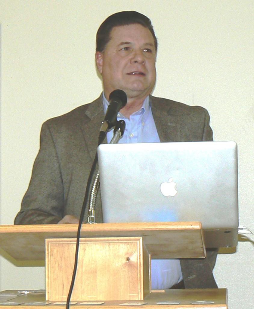 Roland Lee Presenter